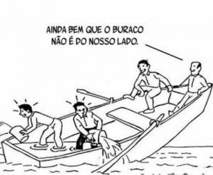 Barco afundando